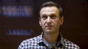 Navalny's doctor: Putin critic'could die at any moment'