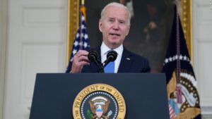 Opinion: Biden strikes a blow for fairness in sharing vaccine knowledge