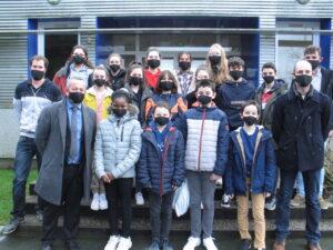 Des masques offerts aux collégiens de Landivy