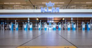 EU Imposing Extra Travel Curbs on COVID'Hot Zones'