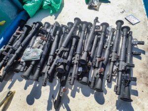 US Navy seizes large cache of smuggled weapons off Somalia