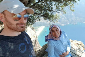 Turkish man allegedly pushes pregnant wife off cliff after taking selfies