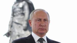 Putin Reignites Ukraine Conflict as Rift with Biden Blows Up