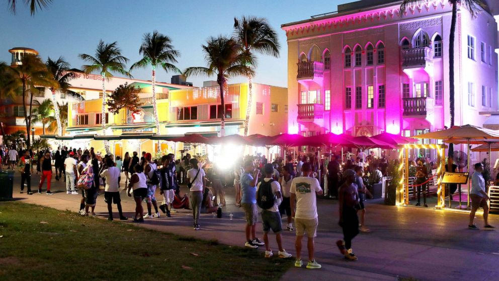 Miami Beach declares state of emergency due to spring break crowds