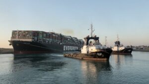 Engineers'successfully' free ship stuck in Egypt's Suez Canal