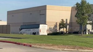 Bus carrying unaccompanied migrant girls arrives at Houston shelter