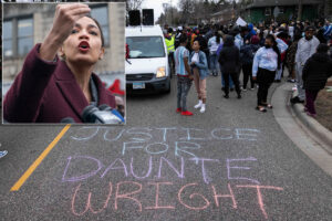 AOC joins'Squad' blasting cops over Daunte Wright shooting