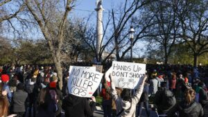 Chicago Protesters March Over'Sick and Sad' Police Killing of 13-Year-Old Adam Toledo