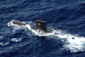 Frantic search underway for missing Indonesian submarine