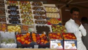 Saudi Arabia bans Lebanese fruit & vegetables over drug smuggling — RT World News