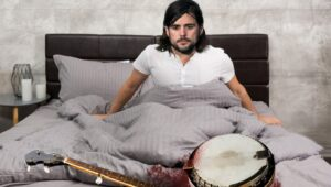 Horrifed Mumford And Sons Member Wakes Up Next To Decapitated Banjo